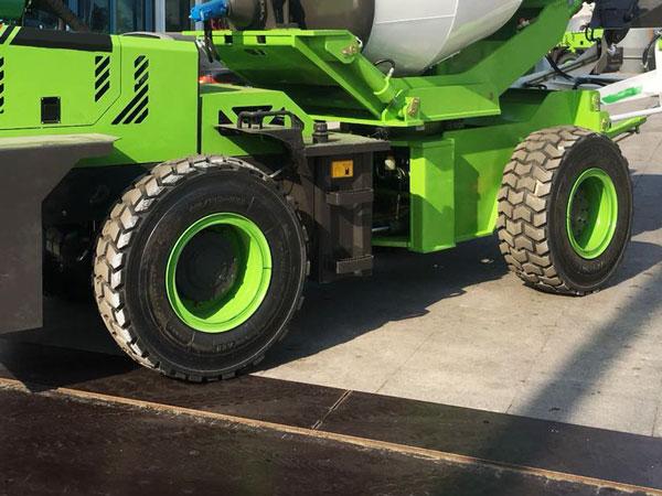 wheels of self loading mixer