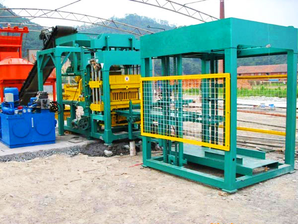 QT12-15 semi automatic brick machine