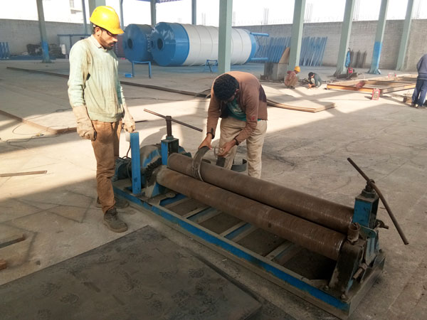 Pakistan workers