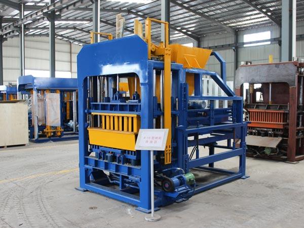 QT4-15 brick making equipment