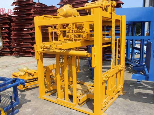 automatic pallets feeding machine
