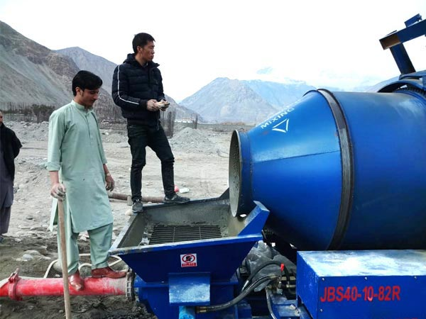 JBS40R mixer pump work site