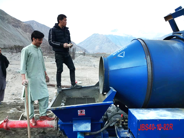 working site of diesel mobile concrete pump with mixer