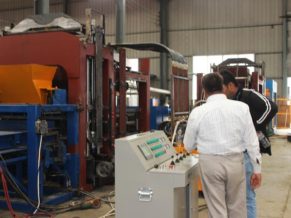 customer visit hydraulic block machine