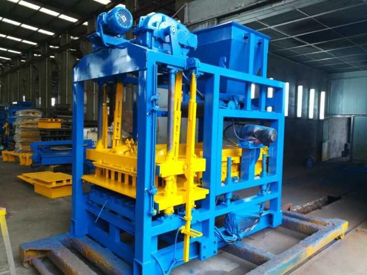 ABM-4S concrete block making machine