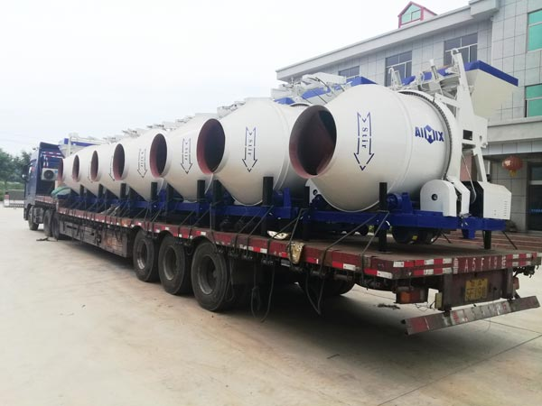 JZC mobile concrete mixers to Russia