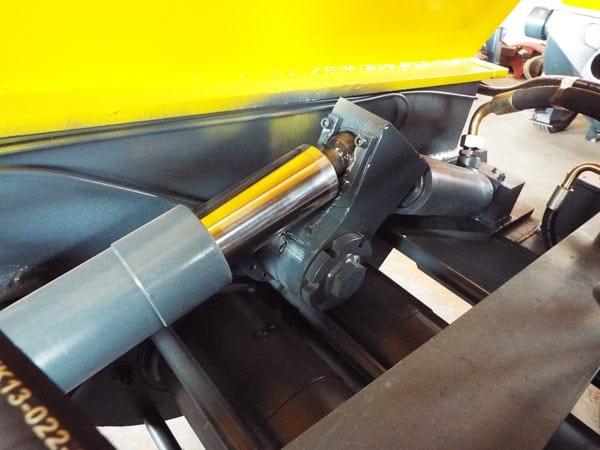 swing arm cylinder