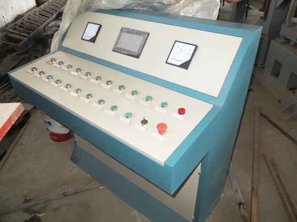 PLC control system of ash bricks machine