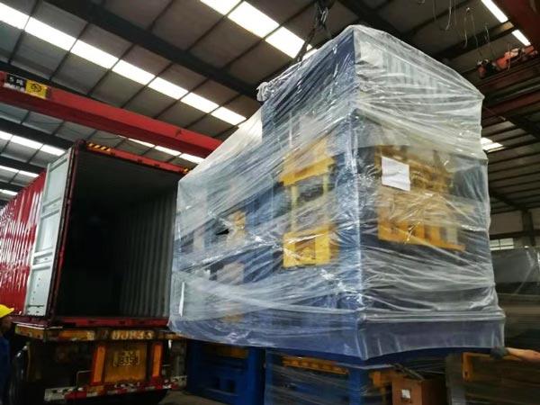 shipment of ABM-4SE semi automati fly ash brick machine